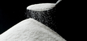 Los alimentos procesados tienden a carecer de grasas saludables mientras que son altos en azúcar y esta combinación parece ser el centro del problema